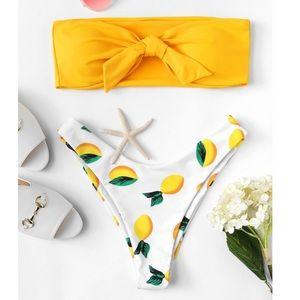 🆕 Knot Front Bandeau Top With Lemon Print Bikini